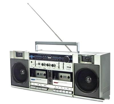 上世纪80年代流行的燕舞牌录音机图片