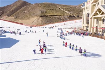十四冬: 岱海国际滑雪场准备好了