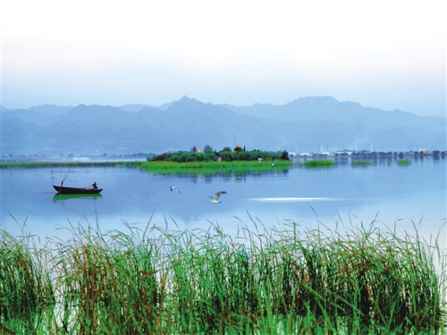 大力发展沿黄昭君湖,南海湿地,欢乐天地,共中海等景区建设,土右旗结合