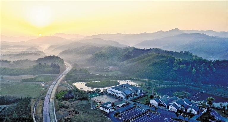 如今的浙江,处处是风景,全域像花园.